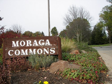 Photo of the entrance into Moraga Commons Park
