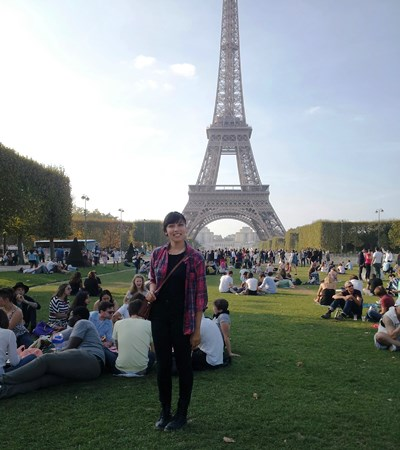 CSUEB student and Gilman Scholarship recipient Ivette Bernal at the Eiffel Tower in Paris, France.