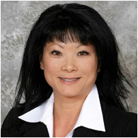 Head shot of Lisa Im, graduate of CSUEB's MBA program and current CEO of Performant Financial.