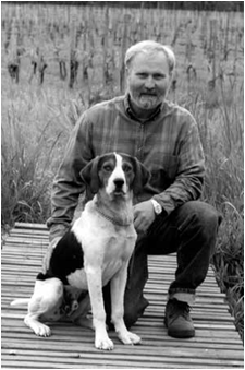 CSUEB alumnus Ted Gerber with his wine dog, Clem (Photo: Foris Wine)